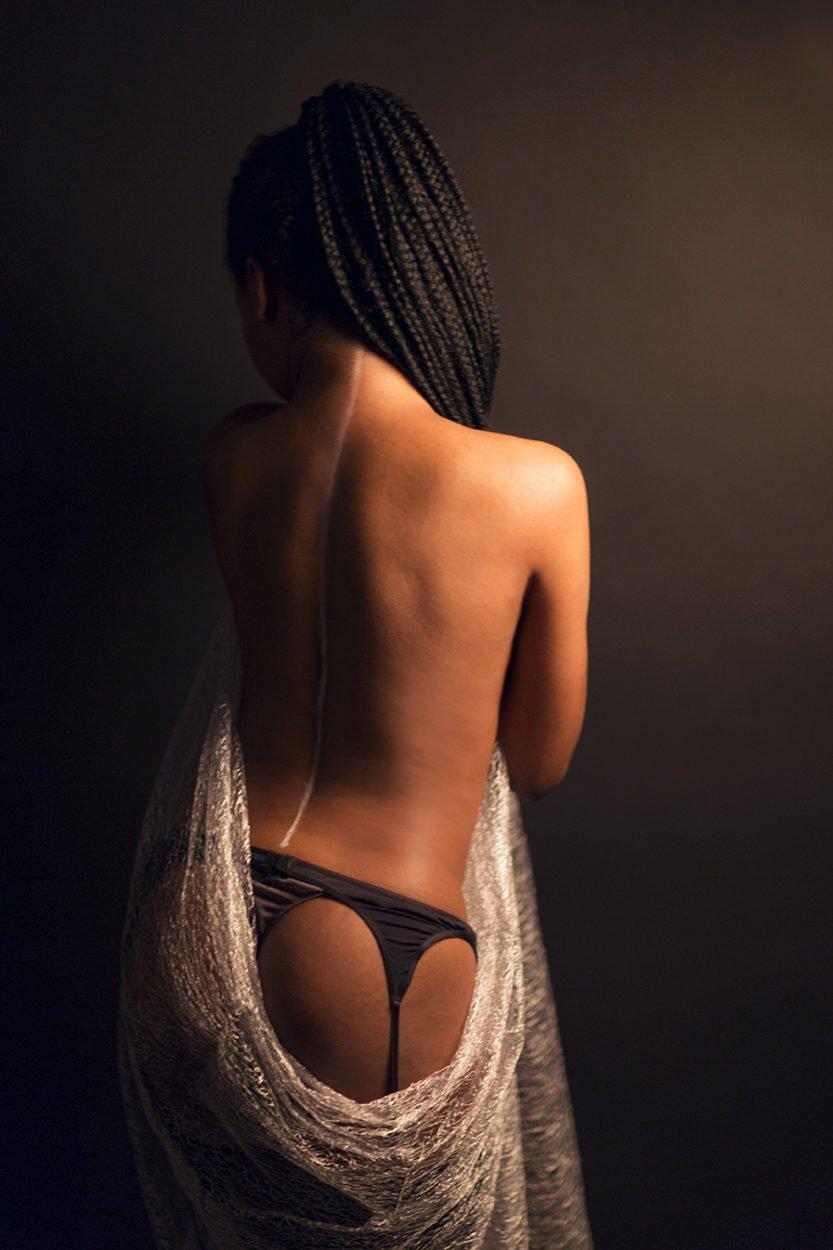 portrait-art-sur-mesure-boudoir-cecile-humenny-photographe-toulouse-studio