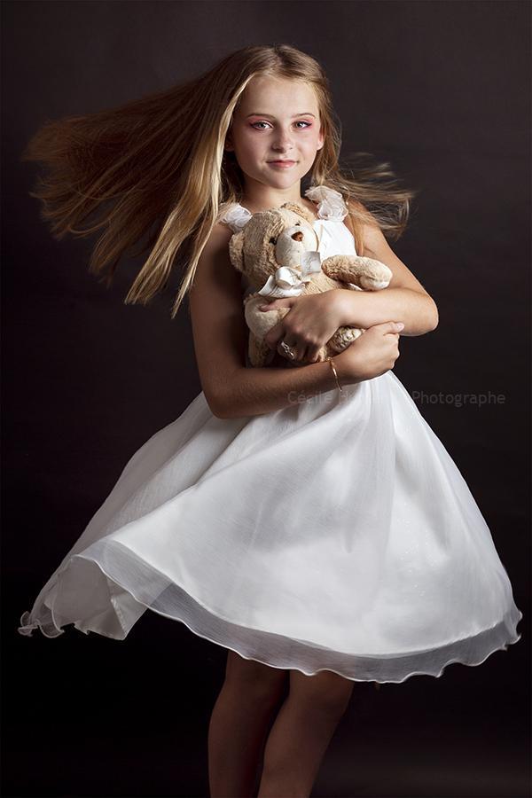 portrait-petite-fille-enfant-cecile-humenny-photographe-toulouse-studio