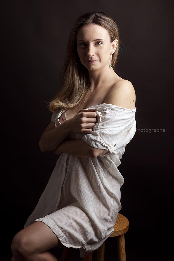 portrait-book-boudoir-femme-cecile-humenny-photographe-toulouse-studio