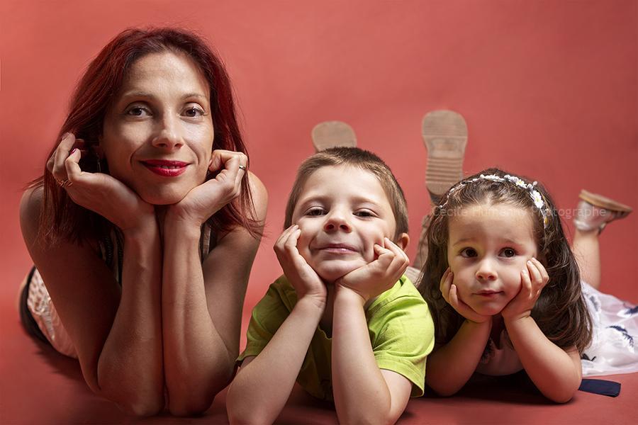 portrait-famille-studio-par-cecile-humenny-photographe-toulouse